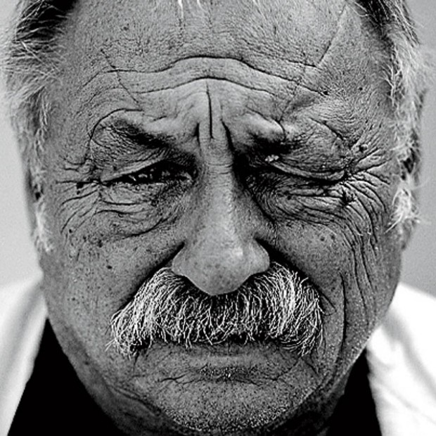 ca. 2004 --- Jim Harrison --- Image by © R¸dy Waks /Corbis Outline